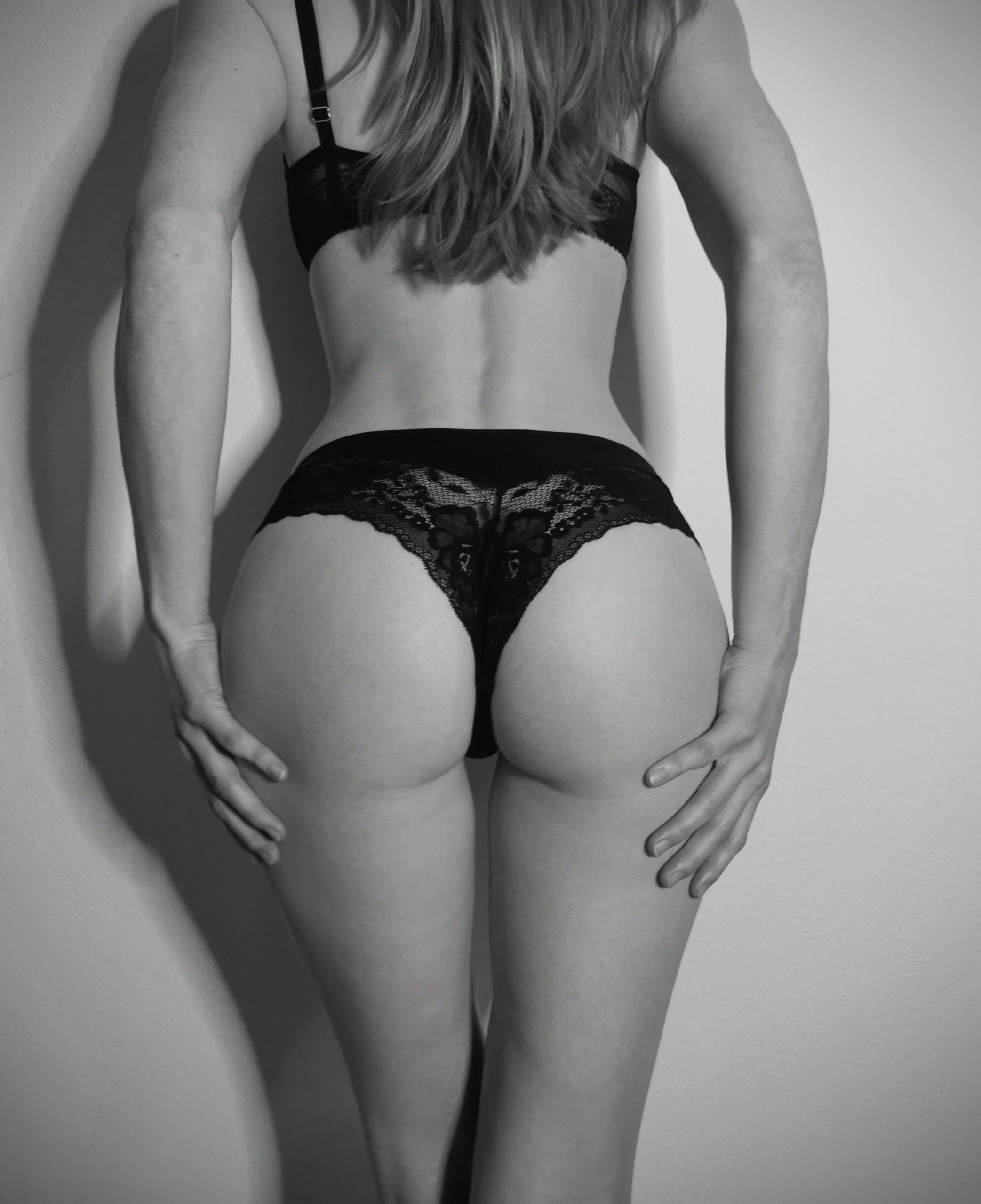 A petite ass a day, keeps the doctor away ;)